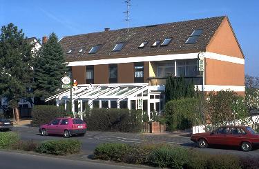 Hotel Kinnel, visto de la Calle Gerhardt-Hauptmann-Straße